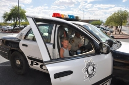 jake & joe in-de-las-vegas-patrol-car